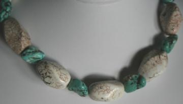 Chunky White Turquoise Beaded Gemstone Necklace