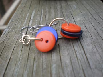 Buttons 3 earrings