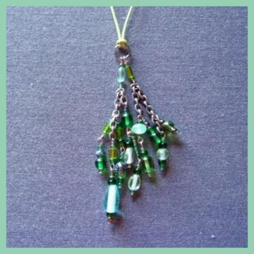 Green Cluster Cord Necklace