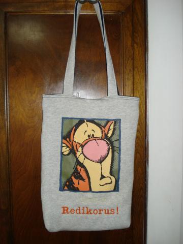 Revalued Sweatshirt Laptop bag - Tiggr