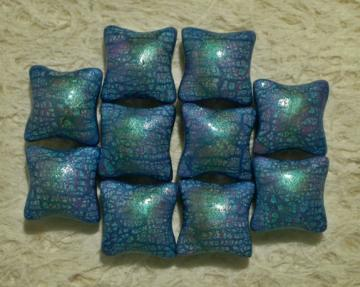 Set of 10 Pillow beads 20mm polymer clay shimmery green, blue, pink