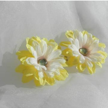 White Yellow Daisy Snap Clips