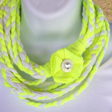 Infinity Scarf braided in yellow and white jersey knit, with matching pin
