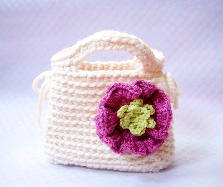 Little Girls First Purse - Crochet bag pattern / PDF