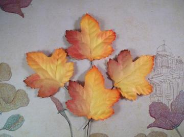 25 Two Tone Maple Mulberry Paper Leaves 1-3/4&quot; X 1-7/8&quot;
