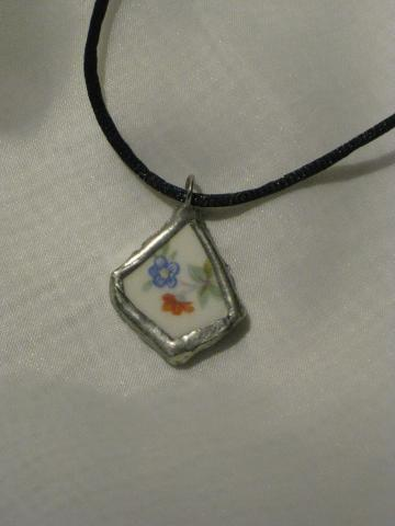 Broken China Pendant - Petite Vintage Floral