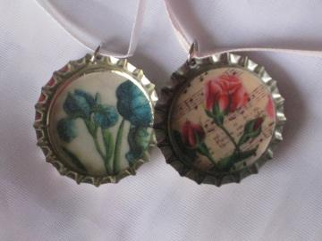 Bottlecap Pendants - Set of 2 - Vintage Flowers
