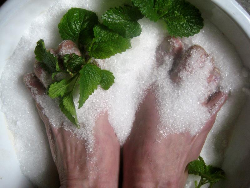 Can Salt Cure Nail Fungus? | SteriShoe Blog | Home Treatments For ...