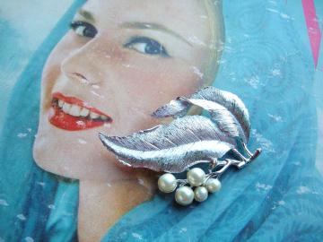 Sarah Cov Silver tone Leaf Vintage Brooch