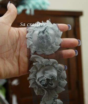 Darker gray Shabby Chic flowers trim,14 flowers