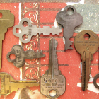 8 Vintage Trunk Keys or Findings, SK61