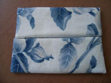 Blue Leaves Tissue Holder