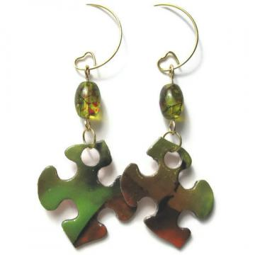 Puzzle me THIS... Green w/ Red Speckled Beads and Puzzle Earrings