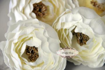 - SaSSY Steal - 2.5in  Cream Ruffle Ranunculus - Limited Time Special