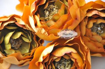 - SaSSY Steal - 2.5in Gold Ruffle Ranunculus - Limited Time Special