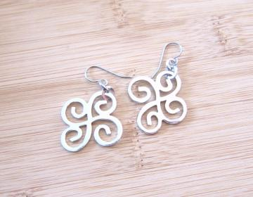 Glossy Celtic Swirls Silver Tone Charm Earrings