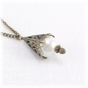 Pearl and Antique Gold Filigree Pearl Pendant Necklace