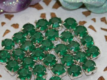 50pcs 6mm Acrylic Rhinestones item no 11704