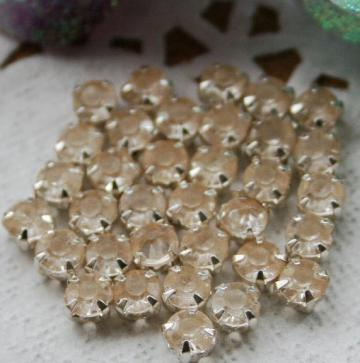 50pcs 3.5mm Acrylic Rhinestones item no 11709
