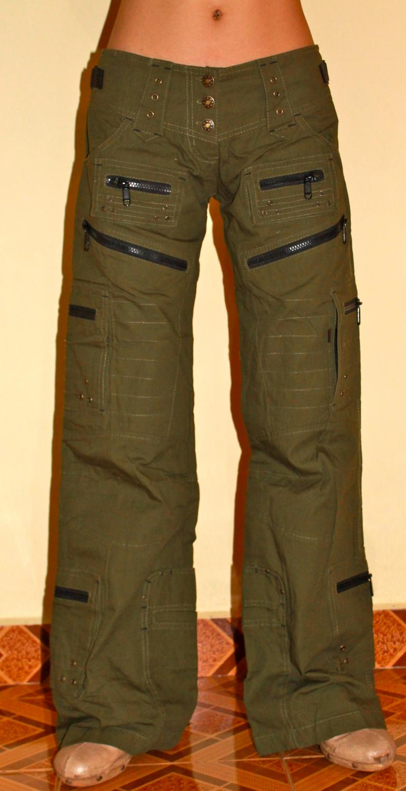 Unique The Sizing Runs From 016 And The Color Choices Are Cargo Green  Pants Felt Very Tight Around Our Thighs We Even Noticed It While Scrambling Around In The Desert, And We Did Not Have The Same Mobility In These Pants As We Did With