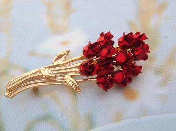 Bunch of Red Roses Vintage Brooch