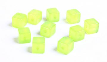 10 Green cube resin beads 8mm 10pc (729)