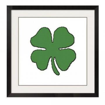 Shamrock Cross Stitch Pattern - Celtic art & Design by Listowel