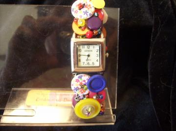 Spring inspired Vintage BuTTon Watch