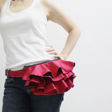 KINIES RUFFLED WAIST PURSE IN RED