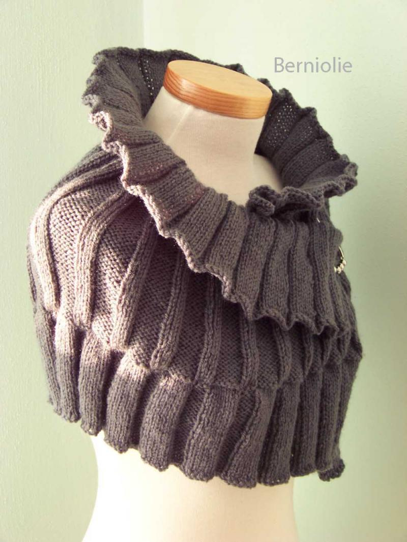 Knitted Capelet Pattern : #