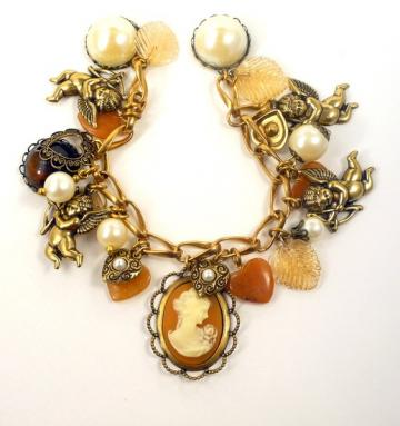 Carnelian heart and cameo bracelet