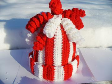 Red & White Child's Hat with Curly Q's