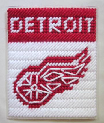 Detroit Redwings tissue box cover in plastic canvas PATTERN ONLY