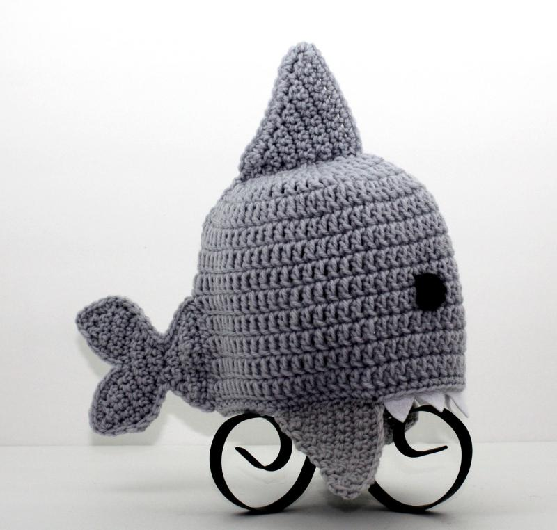 Crochet Pattern For A Shark Hat : Click to Enlarge Image