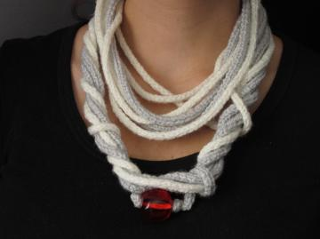 GREY AND WHITE LOOPY SCARF NECKLACE  WITH RED BEAD