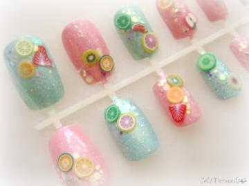 Sparkly pastel fruit salad nails