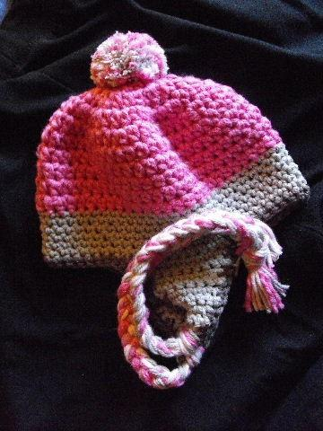 LITTLE GIRL'S EARFLAP HAT IN BRIGHT PINK AND GRAY