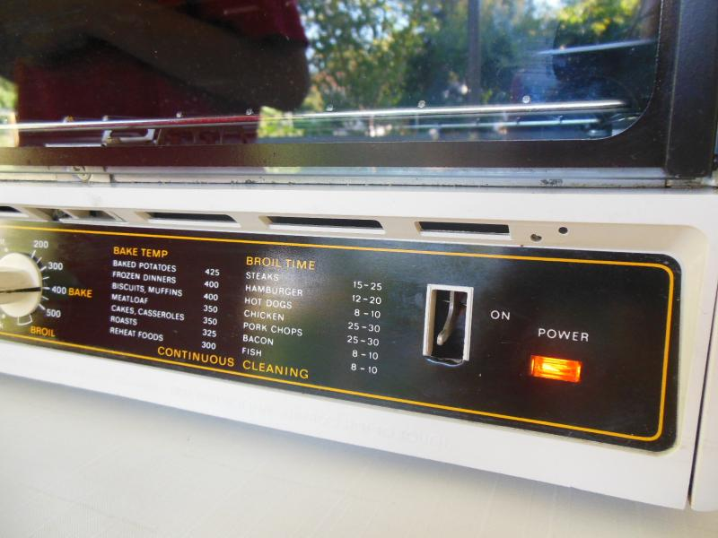Black Decker Spacemaker Toaster Oven B2SO2500 B2S02500