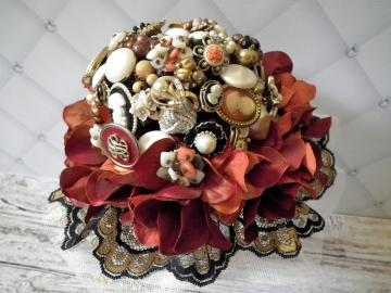 Victorian cameo wedding brooch bouquet