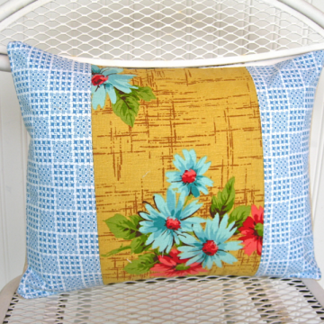 Patchwork pillow cover- Vintage checks and daisies