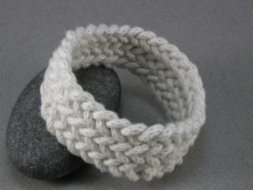 white herringbone turks head knot bracelet MED 916