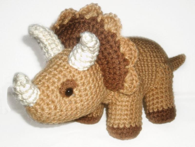 Crochet Dinosaur : Triceratops Crochet Pattern