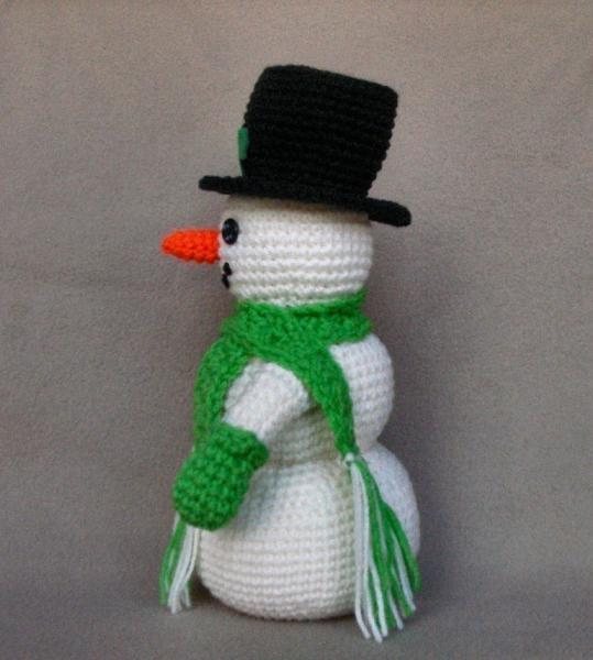 Holiday Snowman - Crochet Pattern