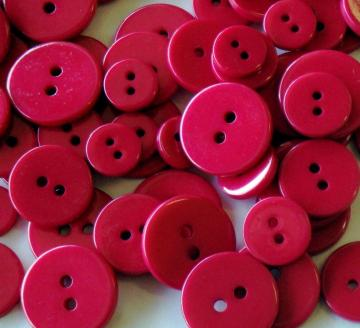 glossy red pomegranate buttons . 90 pieces assorted sizes
